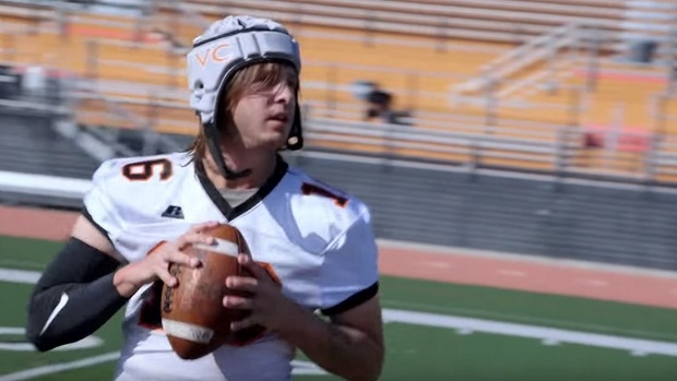 Jared Goff Went Undercover As A Transfer Student To Prank A College Football Team Article Bardown