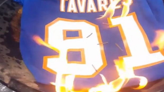 86c321eeea1a Islanders fans are taking out their anger by burning their John Tavares  merchandise - Article - Bardown