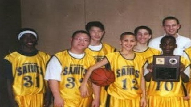 the best attitude 31c82 9d124 Check out these fantastic throwback photos of Steph Curry ...