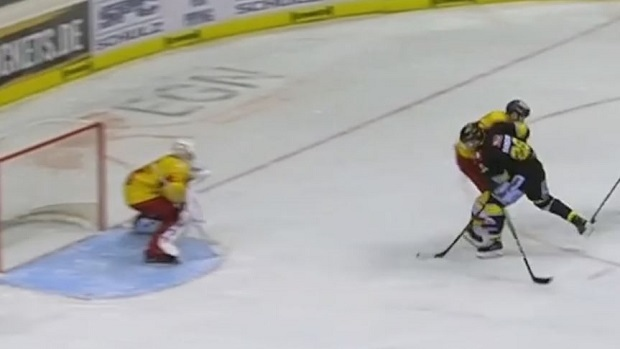 DEL: Swedish Hockey Player Goes End-to-end And Embarrasses His Opponent Before Scoring The GWG