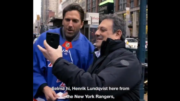 Henrik Lundqvist Surprised Fans On The Street And Nypd Officers In