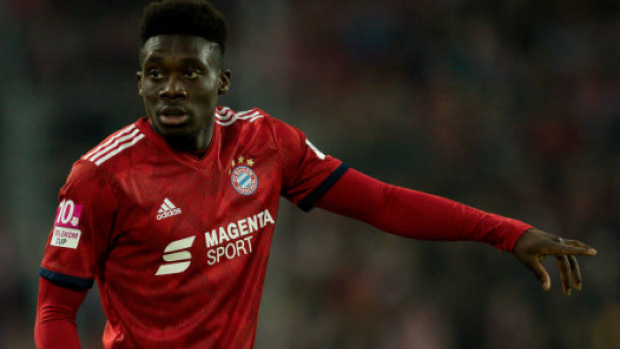 huge discount 08afe bc9ef Canadian Alphonso Davies pulls off glorious nutmeg in Bayern ...