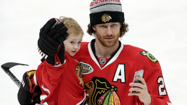 innovative design 92b7b 07123 Duncan Keith has taught his son to call Jonathan Toews this ...