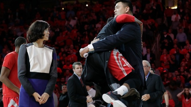 online store fe2bd 6fa48 James Harden surprises Yao Ming by lunging into his arms at ...