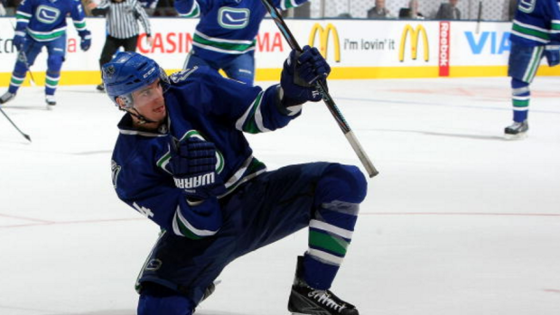 a5c706b9a Alex Burrows thanks Canucks
