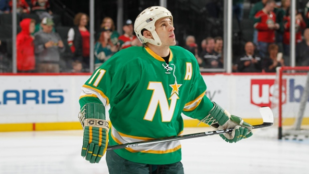 quality design 054f8 ce4ad Zach Parise wears dad's North Stars helmet and gloves, as ...