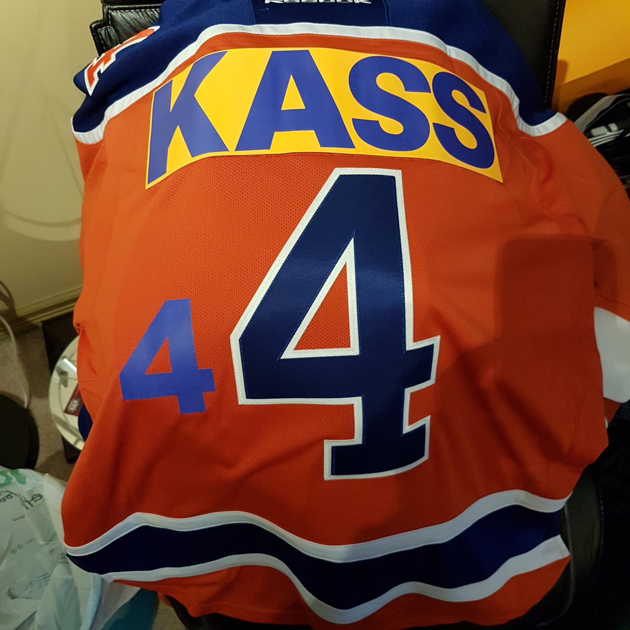 new concept 41034 548cb A fan hilariously attempted to customize his old Taylor Hall ...