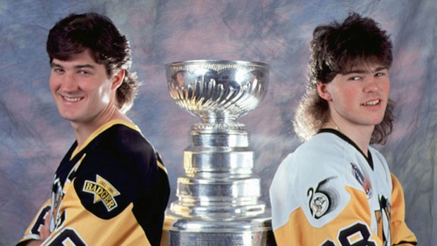 The Pittsburgh Penguins recreated the iconic Lemieux & Jagr photo with  Crosby & Malkin - Article - Bardown