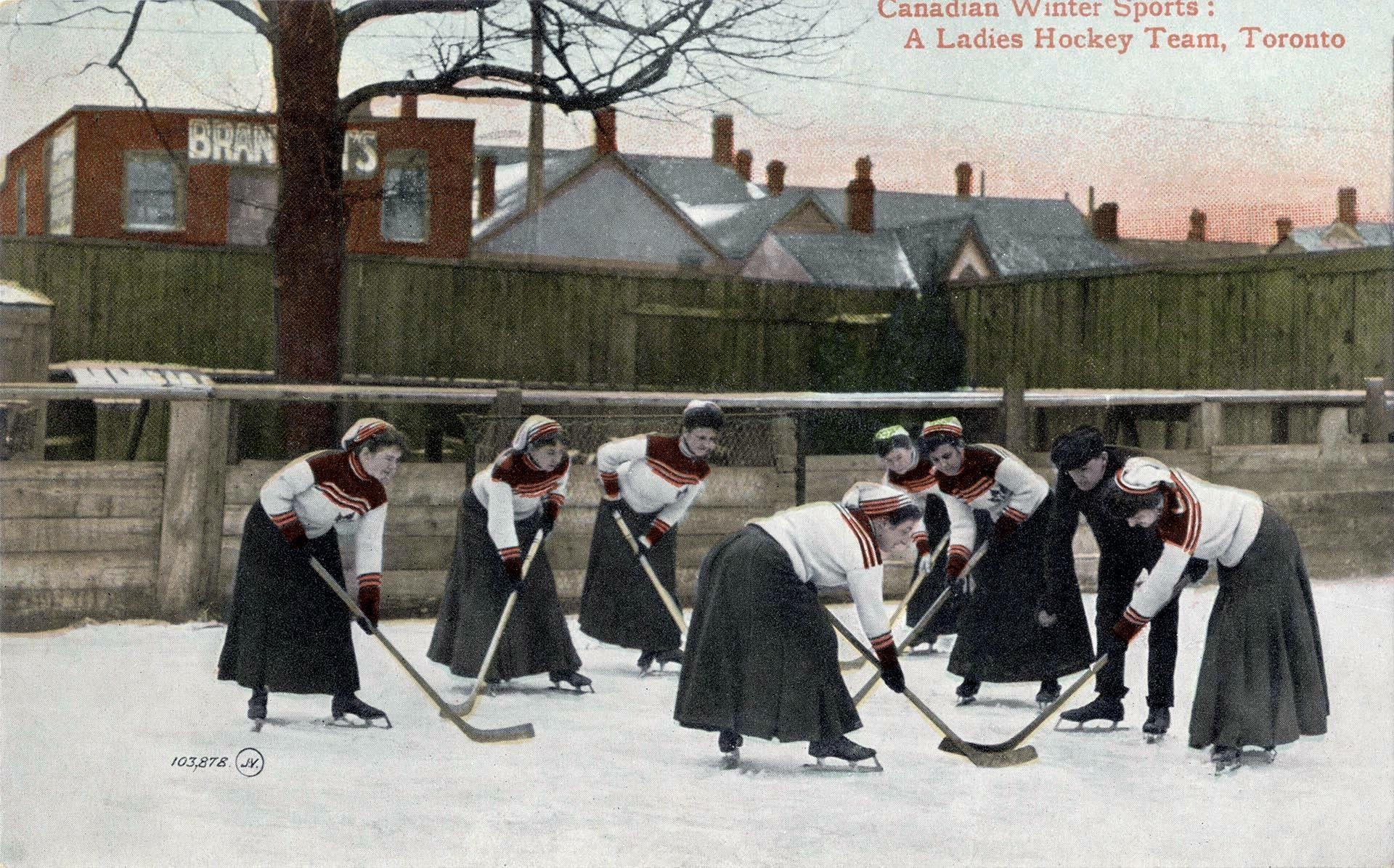 This Postcard Of A Women S Hockey Team From 1909 Shows How Far